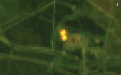 Рис. 2. Горение факельной установки на Варьеганском лицензионном участке (синтез каналов 7-6-4 Landsat-8 дата съёмки 29.09.2014г.)